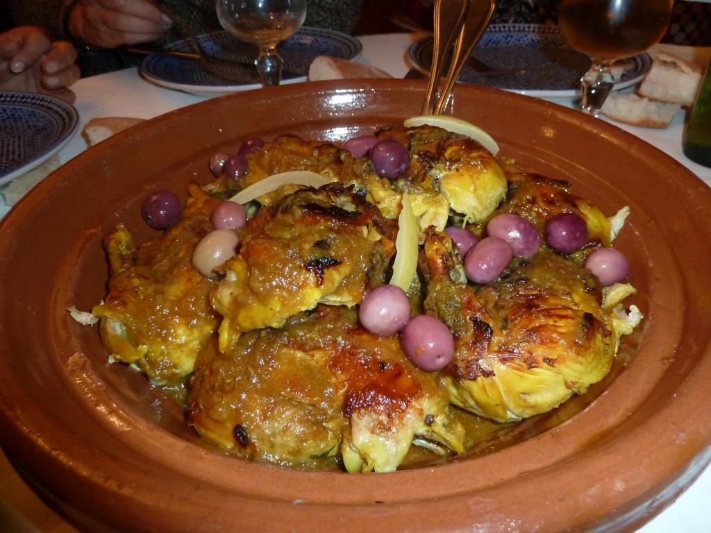 Gastronomía en Marruecos - Tajine de pollo con aceitunas.